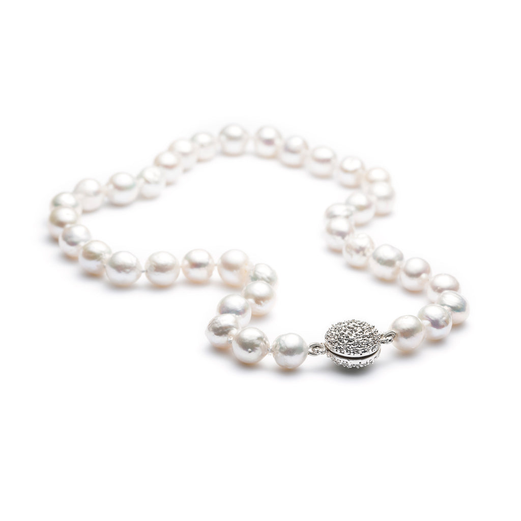 Océan white pearl necklace with sterling silver magnet-clasp