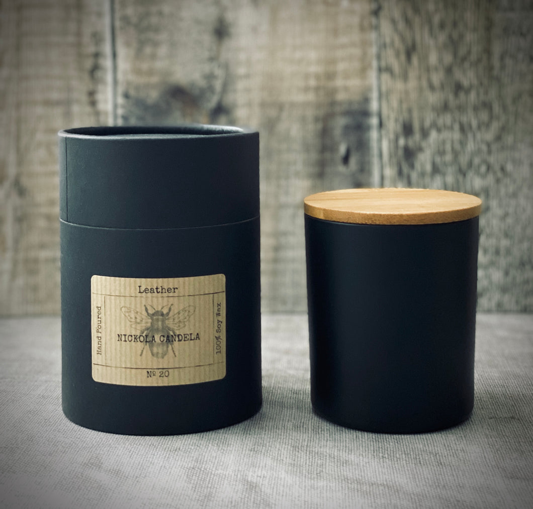 Double wick 300ml Matt black Candle with Bamboo lid