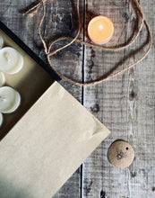 Load image into Gallery viewer, 12 Soy Tea Light Gift Set