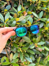 Load image into Gallery viewer, Gender Neutral Retro Sunnies