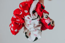 Load image into Gallery viewer, Floral Minnie