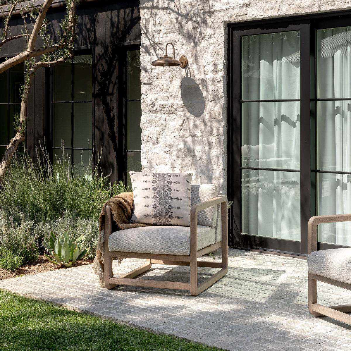 Load image into Gallery viewer, Mantell Outdoor Chair