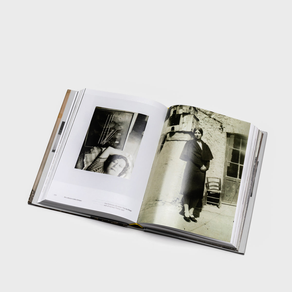 Load image into Gallery viewer, Frida Kahlo - Her Photos - Books – Shoppe Amber Interiors