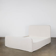 Load image into Gallery viewer, Shelby Bed with Footboard