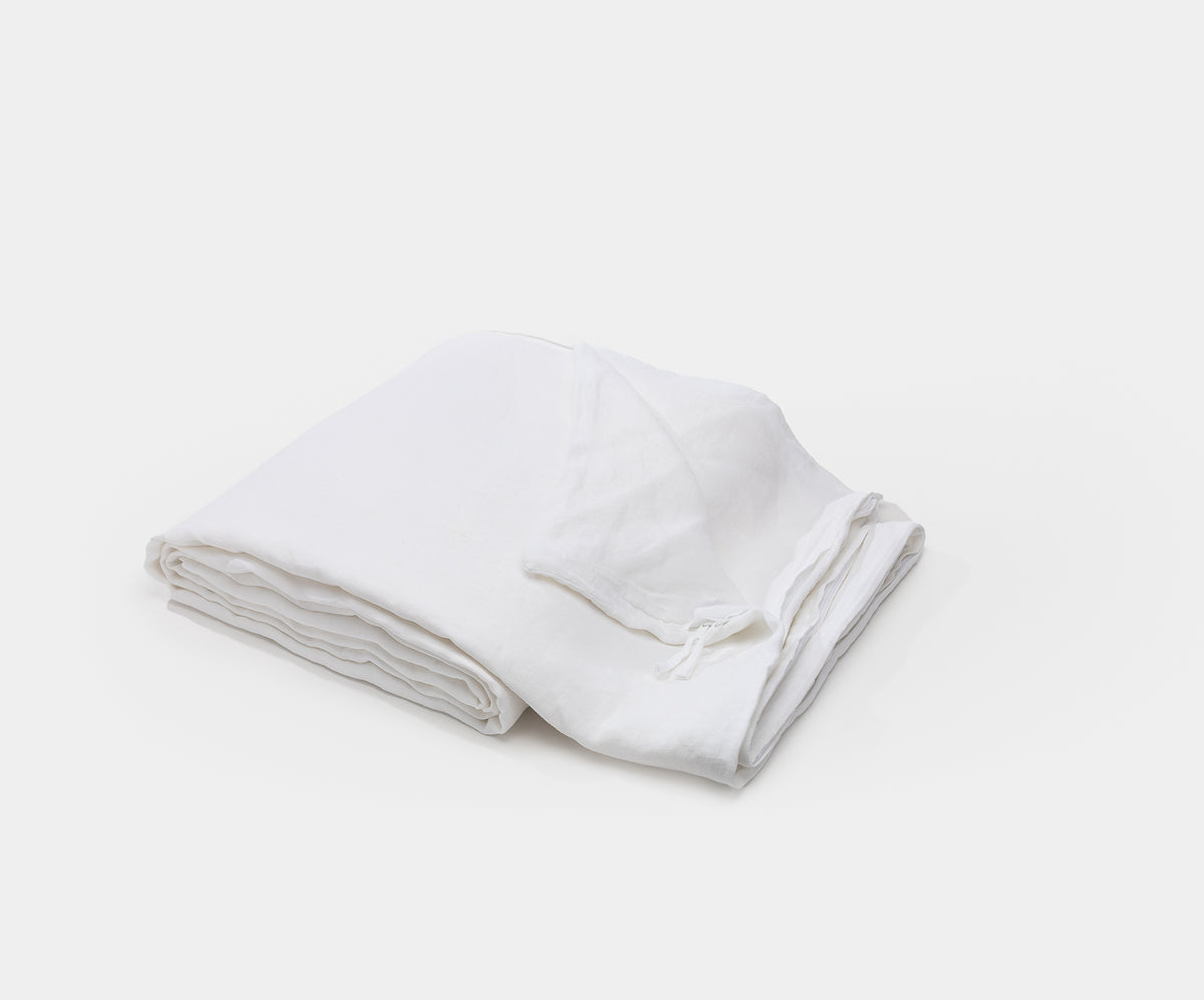 Load image into Gallery viewer, Washed Sateen White Fitted Sheet - Queen