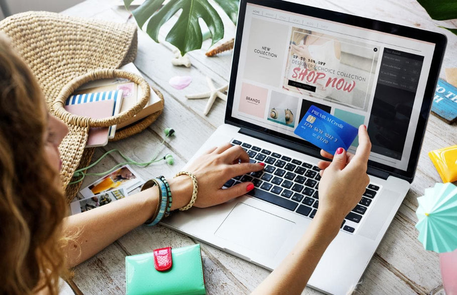 7 Reasons Why It's Better To Do Your Holiday Shopping Online