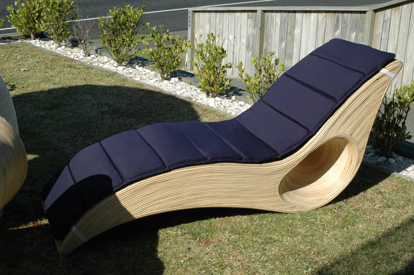 Rattan Outdoor Lounger Seat