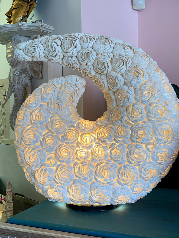 BLOSSOMS - KORU SHELL LAMP