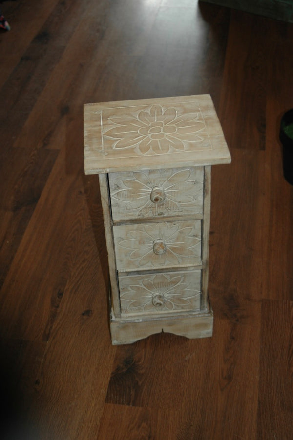 Small 3 drawer cabinet
