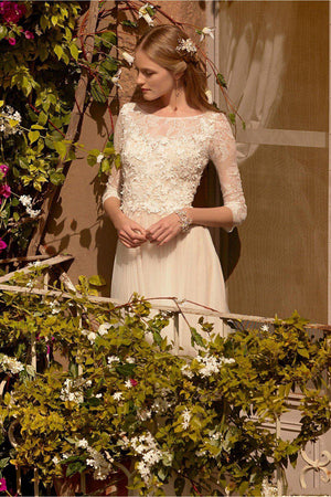 Vintage Boat Neck Lace Top with Tulle A-Line Wedding Dress - Mr. & Mrs. Tomorrow