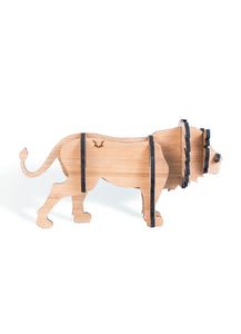 Freestanding lion in bamboo