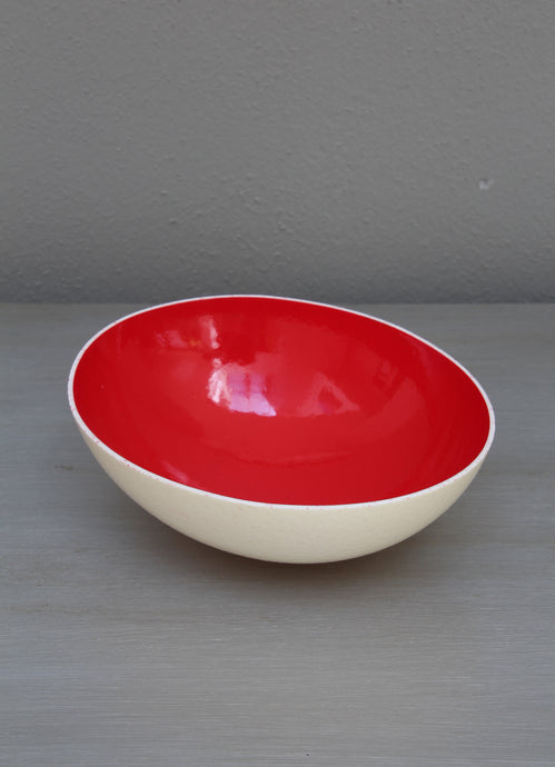Glazed red decorative eggshell bowl