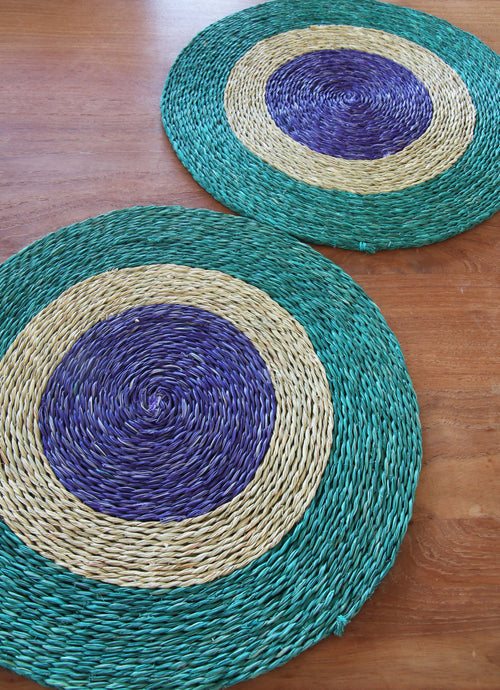 Set of 2 African placemats 31cm in diameter