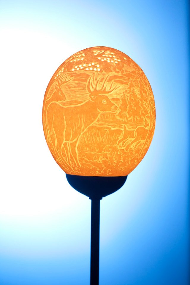 Deer in the forest ostrich eggshell lamp