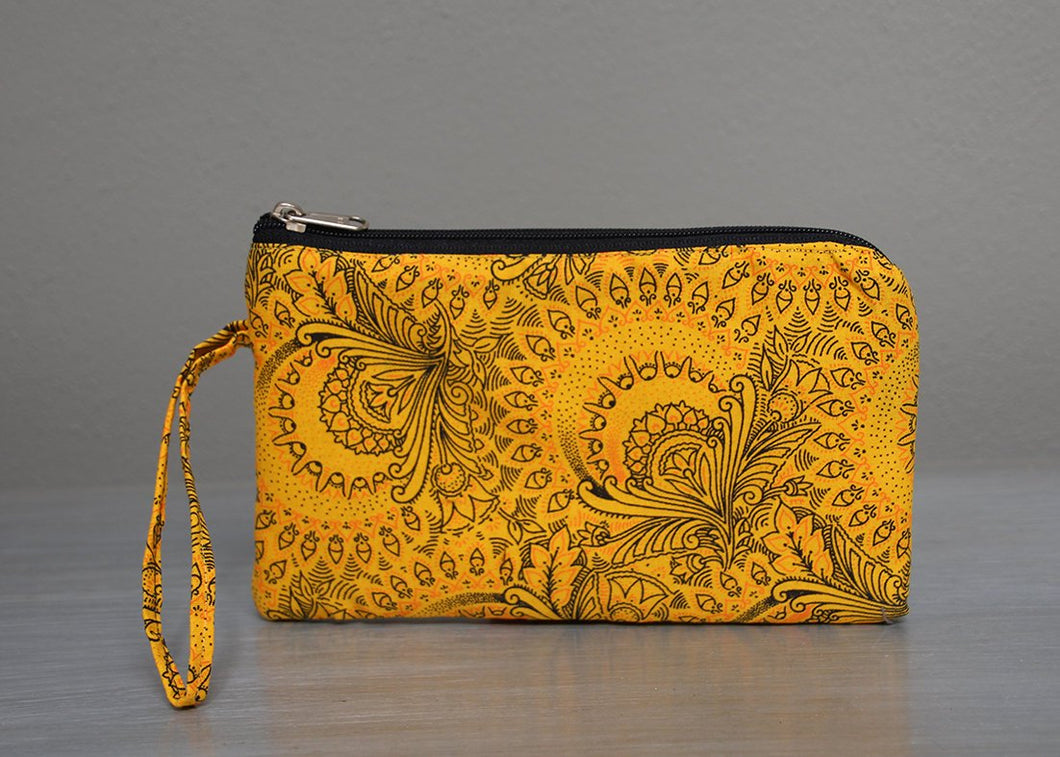 Yellow and black African Shwe-shwe purse