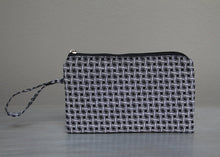Load image into Gallery viewer, Black with white African Shweshwe purse