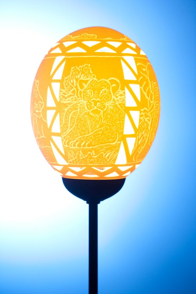 Ndebele Big 5 themed ostrich egg lamp