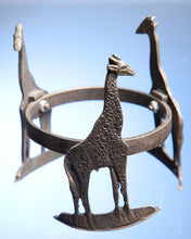 Load image into Gallery viewer, Giraffe brass stand