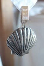 Load image into Gallery viewer, Seashell antique nickel tablecloth weights