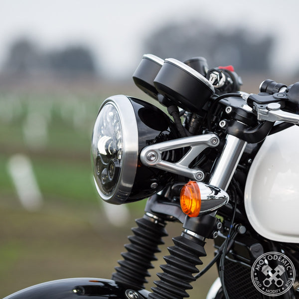 005-Adaptive-LED-Headlight-Thruxton-1200