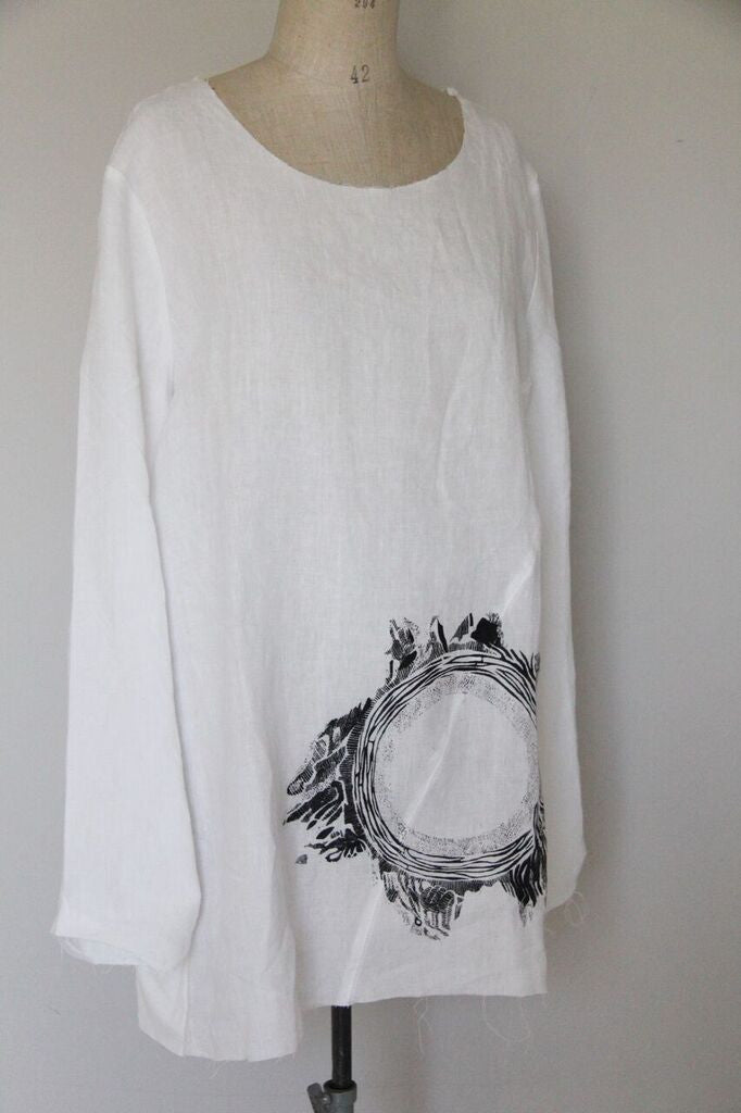 Window Dressing The Soul- Circle Linen Top- white