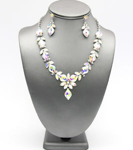 Diamond Cut Crystal Pendant Neckalce Set