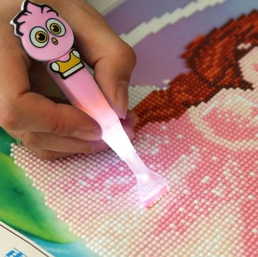 Multi-use 5D DIY Diamond Painting Cross Stitch Luminous Point Drill Pen