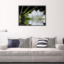 Load image into Gallery viewer, White Lotus - Partial Round Diamond - 40x30cm