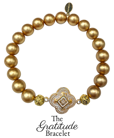 Teramasu Gratitude Bracelet in Gold Hand-painted Shell Pearl