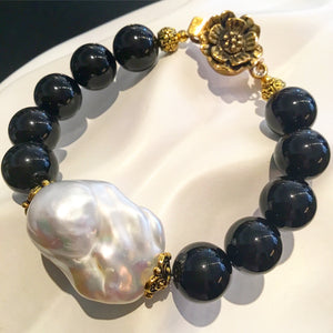 Teramasu Black Onyx and Baroque Pearl Bracelet with Flower Clasp