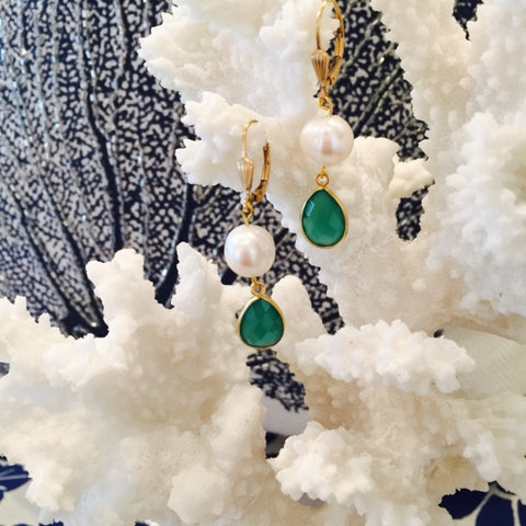Green Onyx Pearl Dangle Earrings With Shell Design Leverback