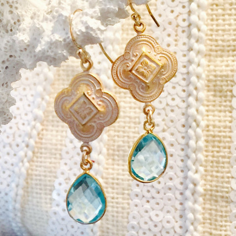 Blue Topaz Patina Quatrefoil Design Dangle Earrings-Teramasu