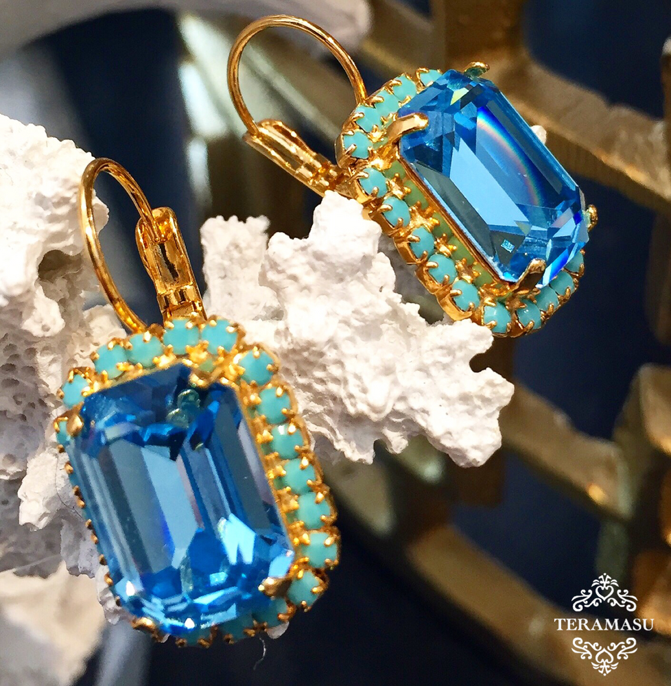 Teramasu Aqua Blue Square Swarovski Crystal with Turquoise Blue Rhinestones Leverback Gold Drop Earrings