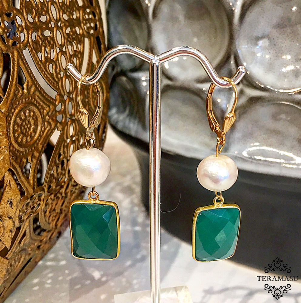 Teramasu Green Onyx and Pearl Leverback Drop Earrings