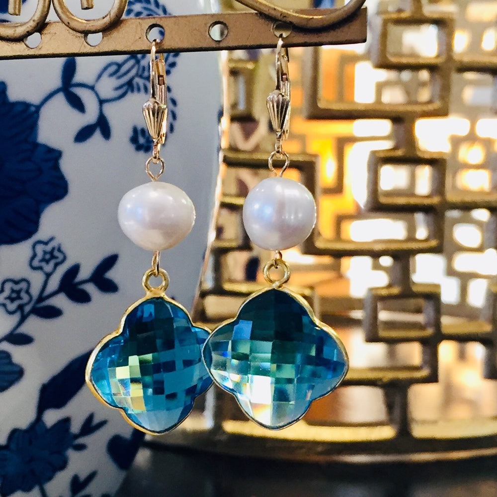 Teramasu Pearl Blue Crystal Clover Earrings