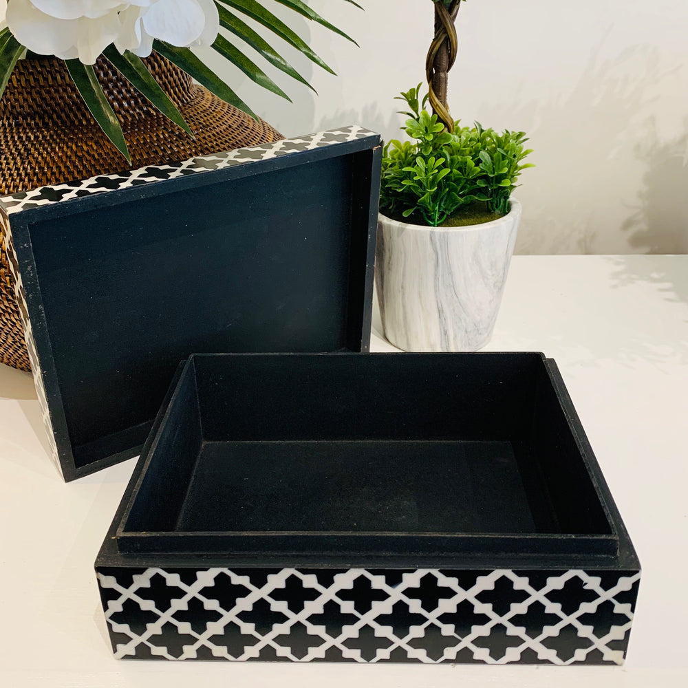 Large Black and White Clover Jewelry Box with Removable Lid