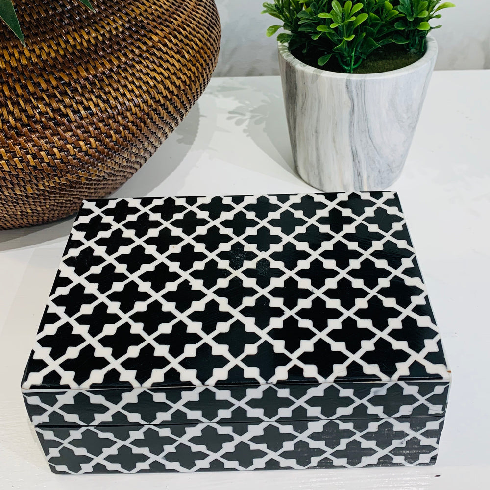 Small Black and White Clover Jewelry Box with Removable Lid