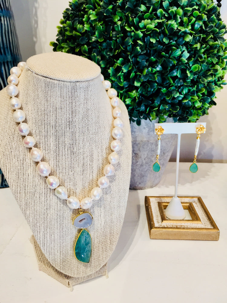 Pearl Necklace with White Druzy Agate Stone Pendant