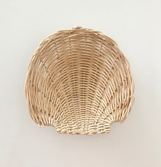 light beige clam shell basket