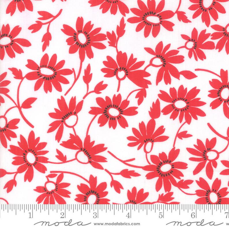 Moda-Back Porch-Red/White Flowers
