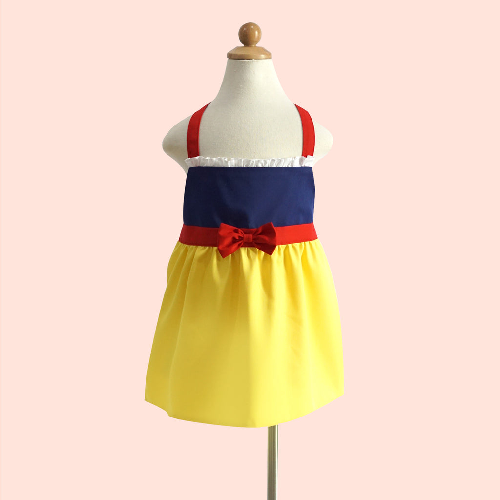 Petite Activity Apron - Snow White