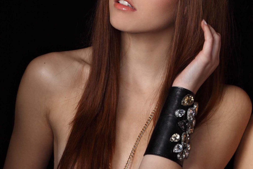 Chunky Love - Leather Cuff Forever Diamonds Black