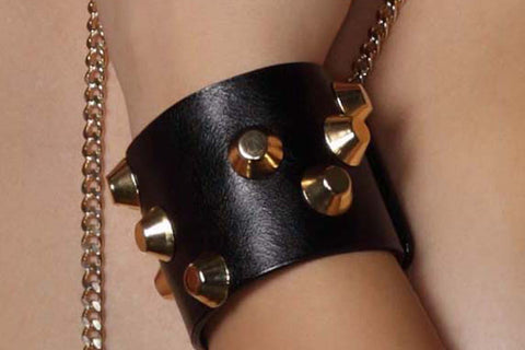 Chunky Love - Golden Studded Petite Leather Cuff Black