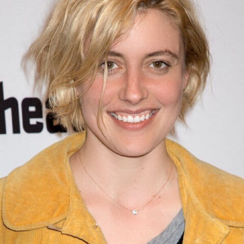 Greta Gerwig rose gold necklace