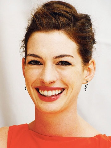 anne hathaway black diamond earrings