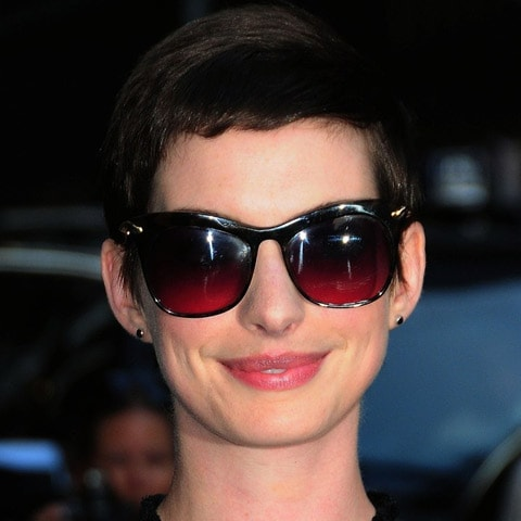 anne hathaway black diamond stud earrings