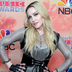 madonna iheart radio awards rosary necklace