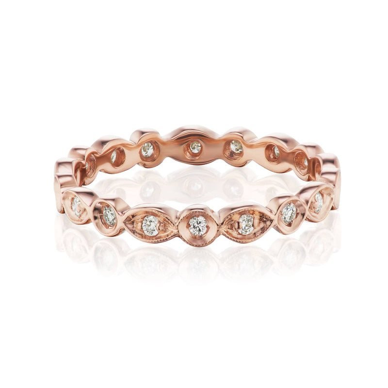 rose gold scalloped wedding band