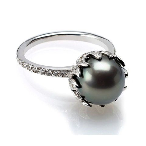 Black Tahitian pearl diamond ring