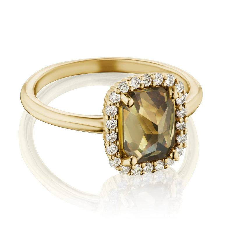 halo diamond ring yellow gold